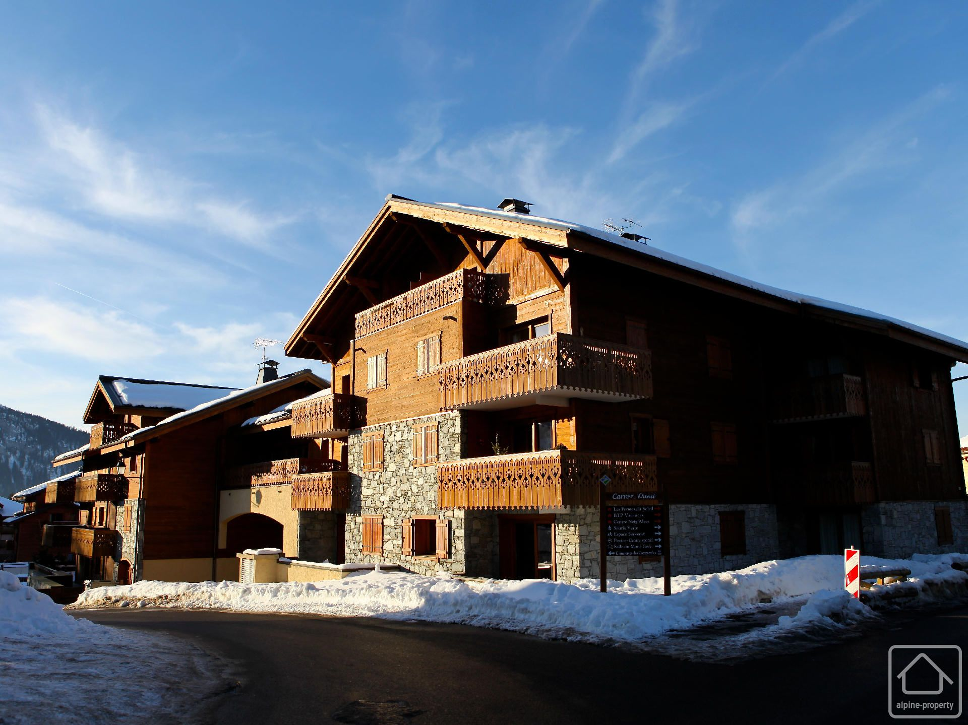 Appt cristalli res a alpine property estate agent in the french alps - Garage du ski les carroz ...