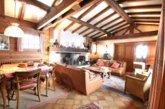 Chalet Chouette - The living room (2)